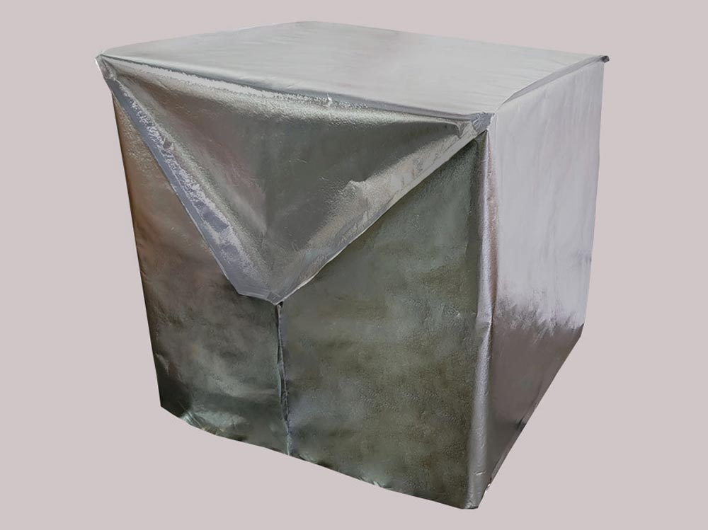 Lightweight insulated pallet covers